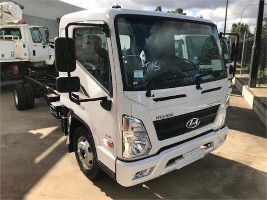 2018 Hyundai Mighty EX8 Super Cab XLWB - Trucks for Sale