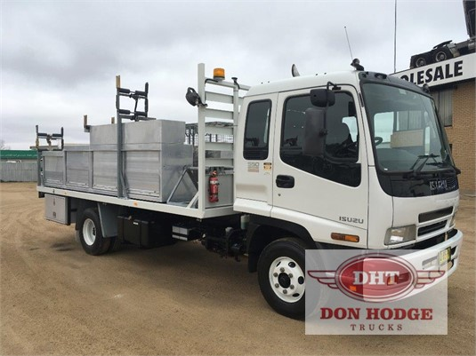 2006 Isuzu FRR 550 Don Hodge Trucks - Trucks for Sale