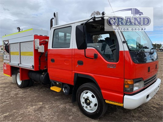 2003 Isuzu NPR 400 Crew Cab Grand Motor Group - Trucks for Sale