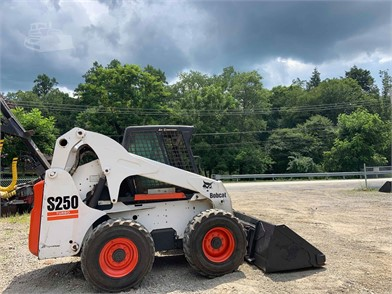 Skid Steers For Sale By Signature Equipment - 54 Listings | www