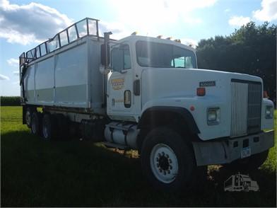 Grain Trucks For Sale >> Farm Trucks Grain Trucks For Sale In Iowa 30 Listings