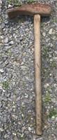 Tire sledge hammer