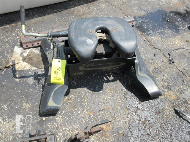 5Th Wheel Hitch For Sale >> Lot 30 5th Wheel Hitch 20 000 Lb For Sale In London Ohio