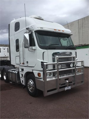 2010 Freightliner Argosy 110 - Trucks for Sale
