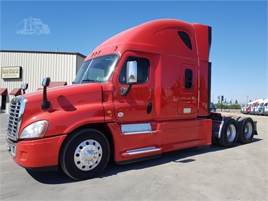 FREIGHTLINER CASCADIA 125 Conventional Trucks W/ Sleeper For
