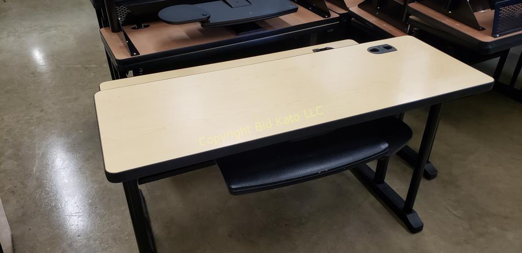 4 Hon 2 Tier Computer Desks Bid Kato