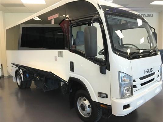 2015 Isuzu NPS300 4x4 - Buses for Sale