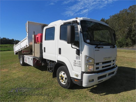 2009 Isuzu FRR 500 Crew Trucks for Sale