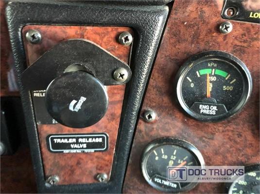 2010 Kenworth T402 DOC Trucks - Trucks for Sale