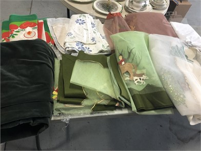 Very Large Lot Of Vintage Holiday Mix Linens Other Items