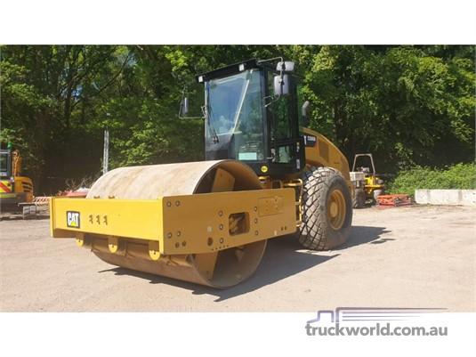 2014 Caterpillar CS66B Heavy Machinery for Sale