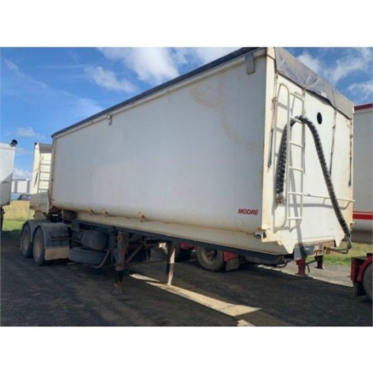 2010 Moore B Double Grain Tippers - Trailers for Sale