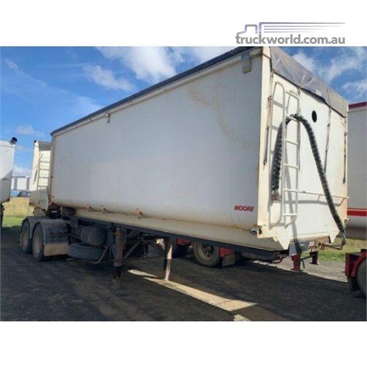 2010 Moore B Double Grain Tippers Trailers for Sale