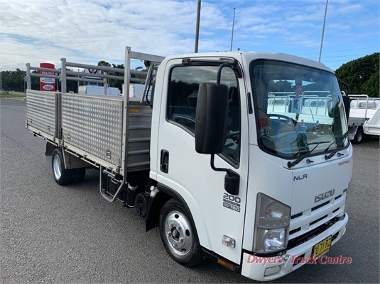 2008 Isuzu NLR 45 150 Traypack Dwyers Truck Centre - Trucks for Sale