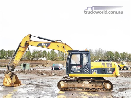 0 Caterpillar 320D - Heavy Machinery for Sale
