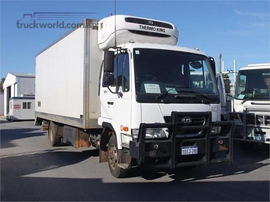 2010 UD MK250 - Trucks for Sale