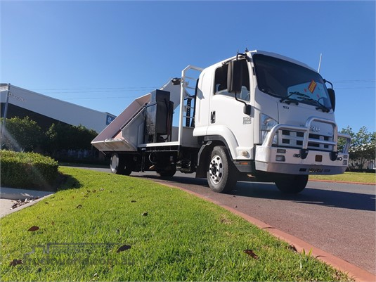 2011 Isuzu FSR 850 - Trucks for Sale