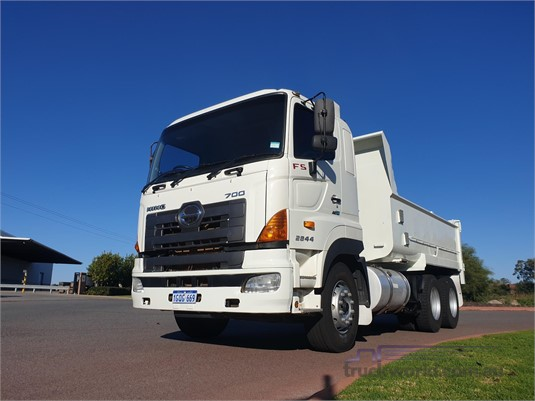 2009 Hino 700 Series FY - Trucks for Sale