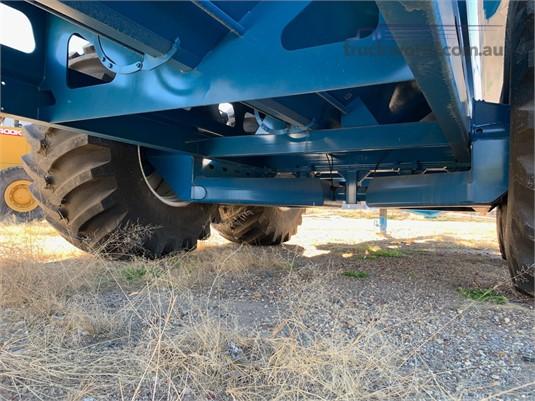 2017 Finch 38 Tonne Chaser Bin Black Truck Sales - Farm Machinery for Sale