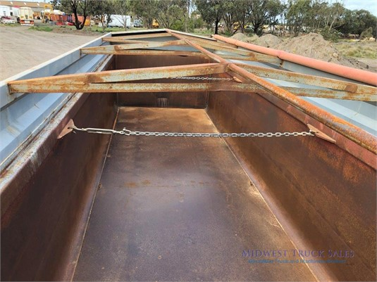 1984 Evertrans Tipping Trailer Midwest Truck Sales - Trailers for Sale