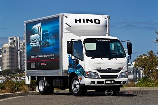 Hino 300 Series 816 Auto Crew Cab