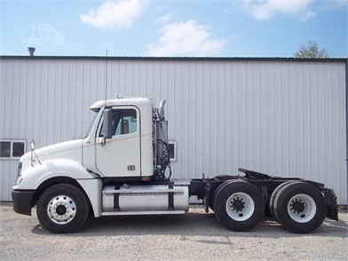 FREIGHTLINER COLUMBIA Trucks For Sale In Illinois - 43