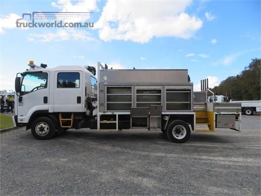 2011 Isuzu FRR 600 Crew Trucks for Sale