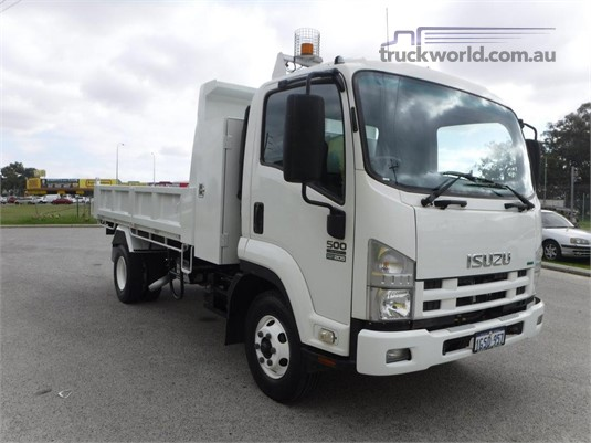 2012 Isuzu FRR500 Raytone Trucks - Trucks for Sale