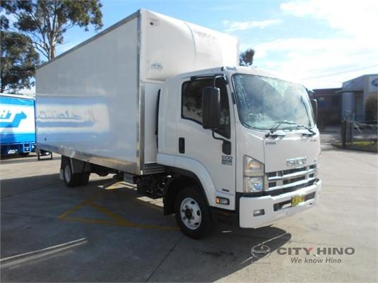 2016 Isuzu FRR 600 Premium City Hino - Trucks for Sale