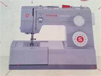 NIB SINGER HD4423 SEWING MACHINE