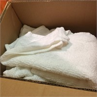 UNUSED WHITE HAND & BATH TOWELS