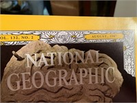 2 BOXES OF ASSORTED NATIONAL GEOGRAPHIC MAGAZINES