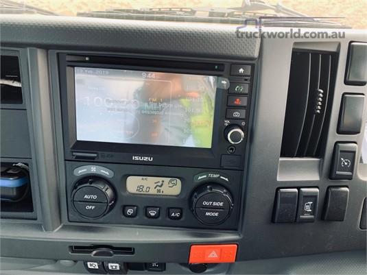 2019 Isuzu FYJ 300-350 Westar - Trucks for Sale