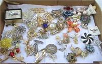 ONLINE Auction - Music, Dolls, Jewelry and much more