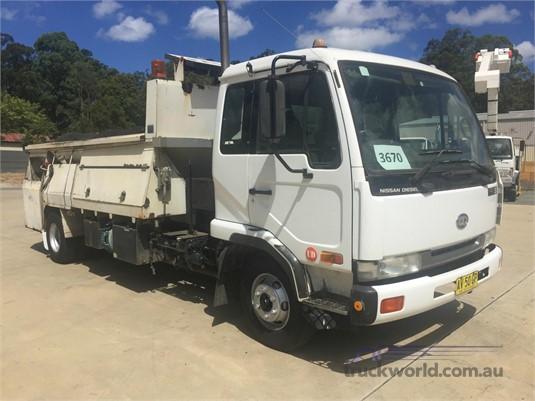 2000 UD MK210 Trucks for Sale