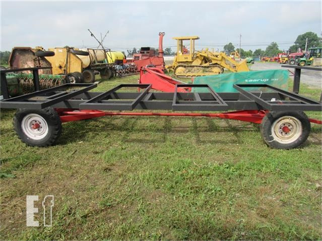 Round Bale Wagon For In Leola