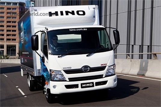 Hino 300 Series 817 4x4 Manual