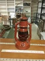 Dietz Little Wizard Red Globe Lantern
