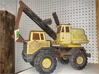 """Tonka Metal Excavator 20"""" long 17"""" tall, some"""