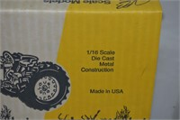 Die Cast Row Crop Tractor 1/16 Scale