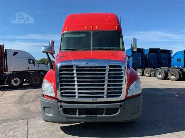 2013 FREIGHTLINER CASCADIA 125 For Sale In Grand Prairie, Texas