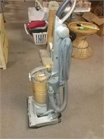 Canton Twister Bagless Vacuum Cleaner