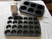 Muffin tins, hand chopper