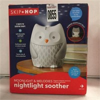 SKIP*HOP MOONLIGHT AND MELODIES NIGHTLIGHT SOOTHER