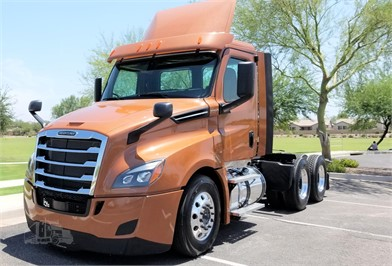 FREIGHTLINER CASCADIA 126 Conventional Day Cab Trucks For