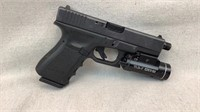 Glock 19 9x19 w/ Flashlight-