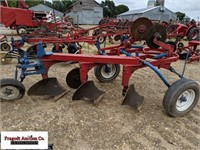 McCormick 3 Bottom Plow, 3 Coulters, Manual Lift,