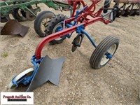 1 Bottom Pull Type Plow, Manual Adjust, Rubber Whe