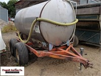 1000 Gallon Stainless Steel Tank on Tandem Axle Tr