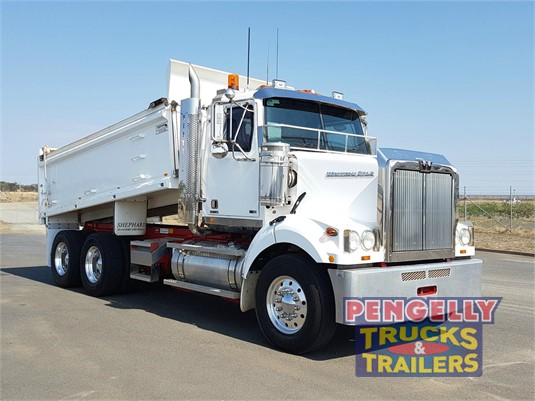 2013 Western Star 4800 Pengelly Truck & Trailer Sales & Service - Trucks for Sale